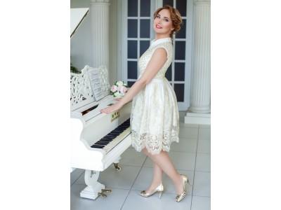 ANNA Povlukova Pianist