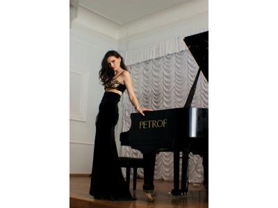 ELVIRA pianist