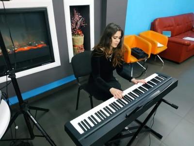 HANNA pianist