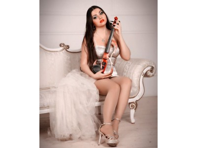 KAROLINA Violin