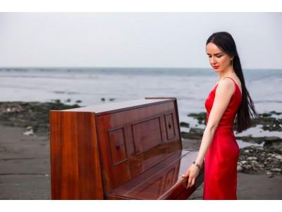 NAZA pianist